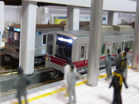 飢乃町駅と東武20070系と東京メトロ03系その2