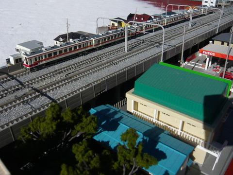 複々線モジ(18')と区間快速47列車その2