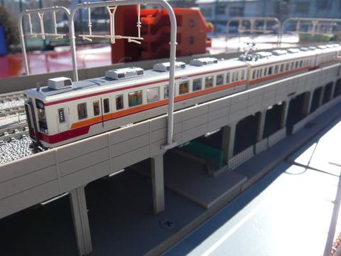 複々線モジ(18')と区間快速47列車その4