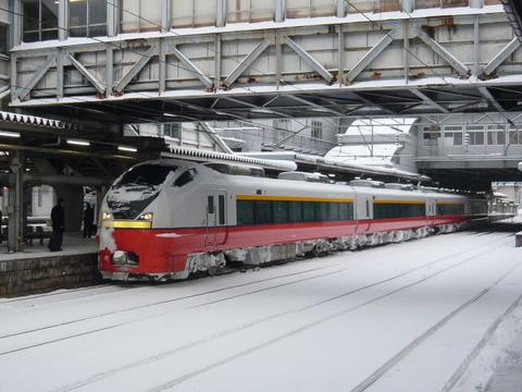 2018年1月撮影、秋田駅にてE751系