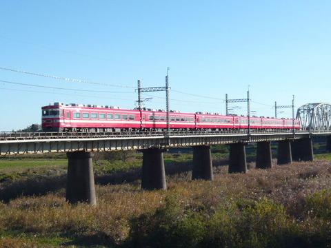 2011年12月撮影、野田線南桜井ー川間間1819編成