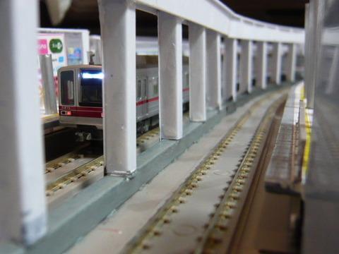 飢乃町駅と東武20070系その3