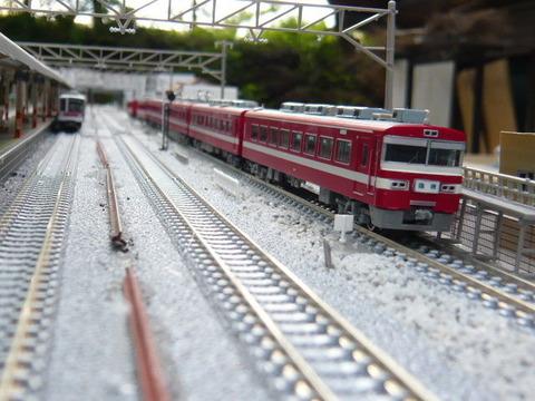北秋日部駅(R)と東武1819編成と20070系