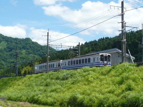 2017年6月撮影、虫川大杉駅付近とHK100