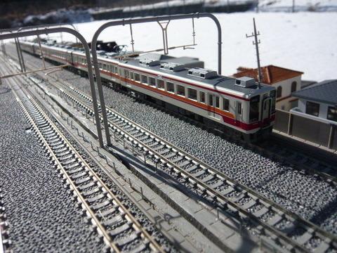 複々線モジ(18')と区間快速47列車その3