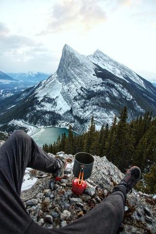 山頂で休憩