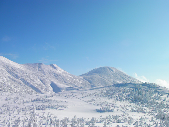3_Peaks_Hakkōda