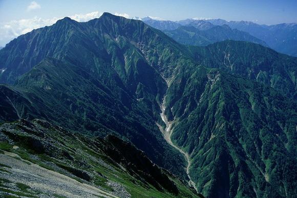 五竜岳から望む鹿島槍ヶ岳