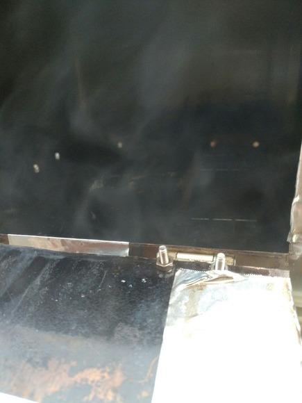 燻製機の内側
