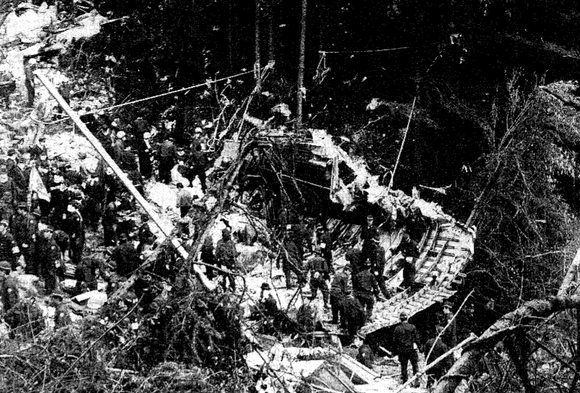 JA8119は1985年8月12日に墜落し、520人の死者を出した機体。 (1)