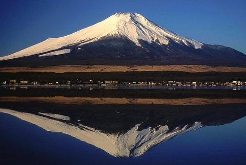 山中湖からの逆さ富士