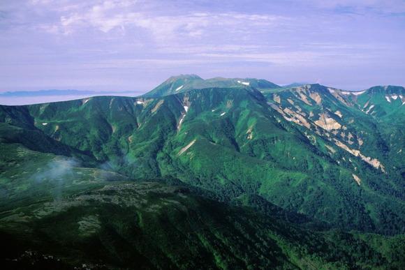 事故が発生したトムラウシ山 (北側の忠別岳方面から望む)