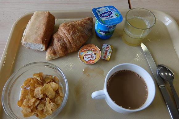 激安ホテルの朝食