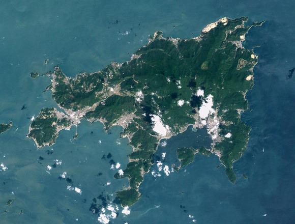 小豆島のランドサット衛星写真。