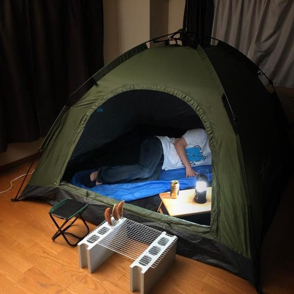 室内でテント