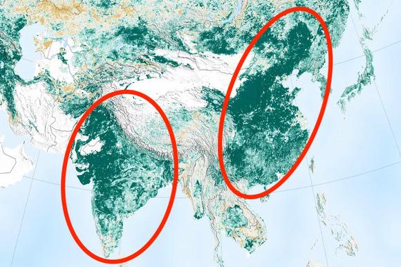 中国とインドがみるみる緑色に