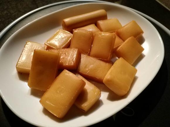 燻製されたチーズ
