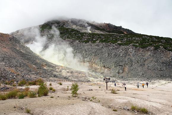 山麓の噴気孔