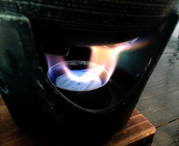 温泉旅館の晩飯で必ず出てくる固形燃料で温める小さい鍋料理www