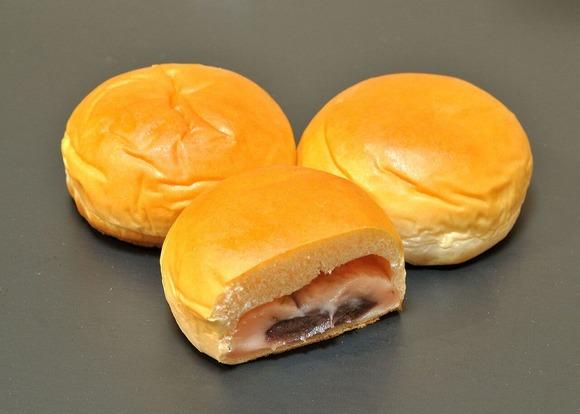 薄皮つぶあんパンと薄皮クリームパン (1)