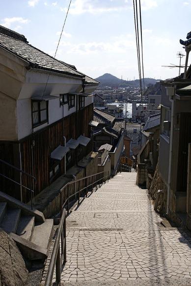 800px-Onomichi_senkoji-shinmichi01n3872