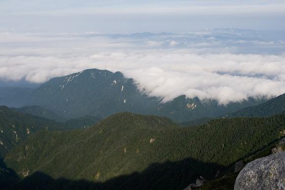 【長野】糸瀬山(1867M)で下山中に遭難 目測誤りロープ足りず 崖で24時間も宙づり状態に…救助された男性「申し訳ありませんでした」