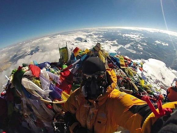 エベレストで自撮り (1)