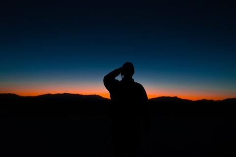 朝日を撮るhiker