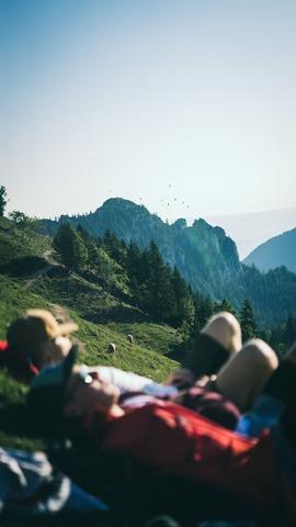 山頂で昼寝