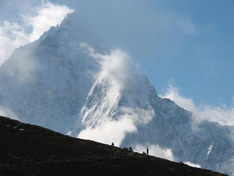 冬山と登山者達