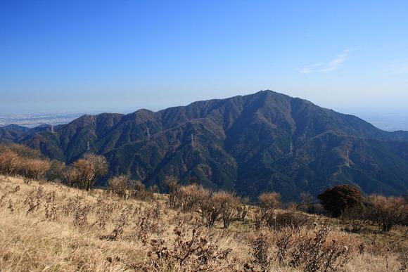 三ノ塔付近から望む秋の大山