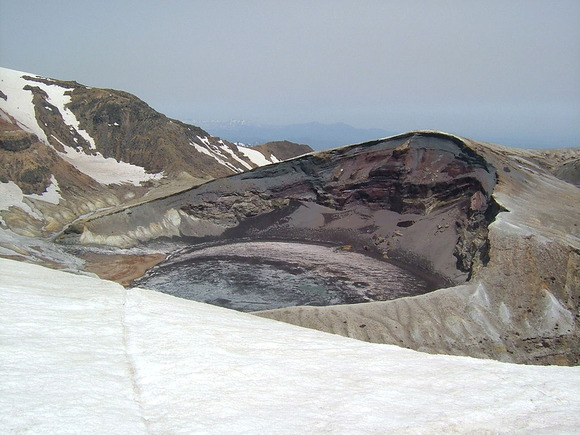 南側の刈田岳から撮影