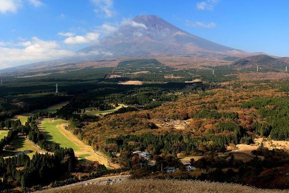 十里木高原の展望台から望む富士山 (1)