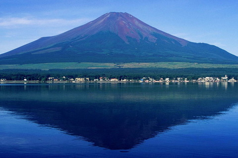 1280px-Mount_Fuji_from_Lake_Yamanaka_1995-7-30