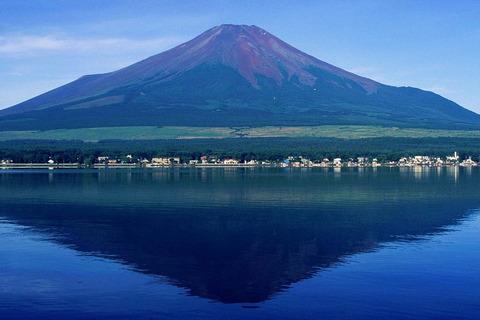 1280px-Mount_Fuji_from_Lake_Yamanaka_1995-7-30