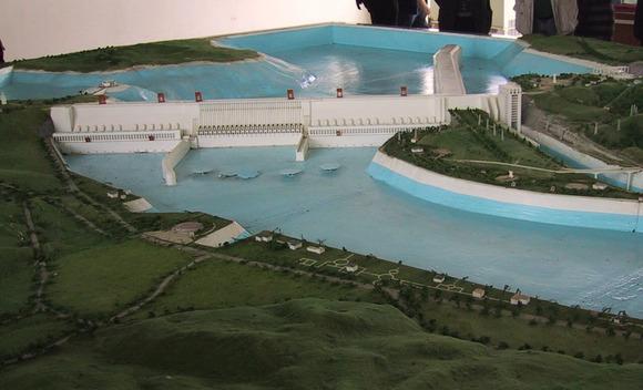 三峡ダムのモデル (1)