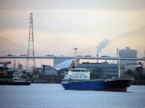 1280px-Nagoya_Port_02