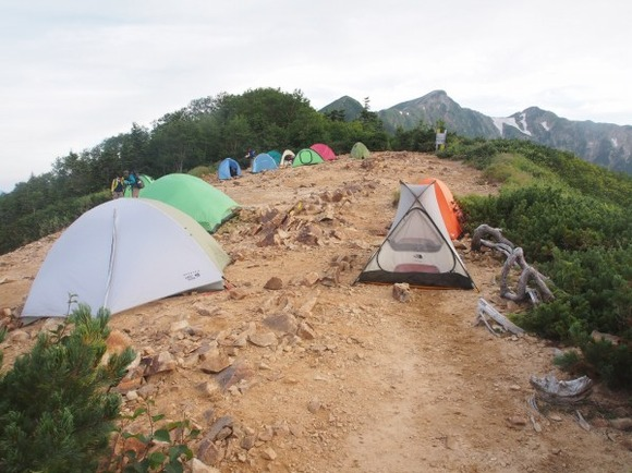 冷池山荘 テン場