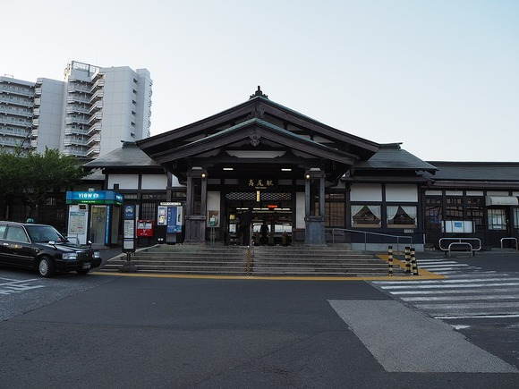 1024px-Takao-Sta-N