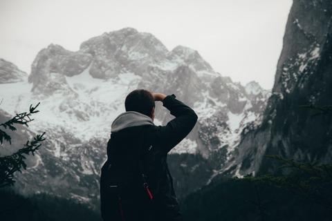 冬山ハイカー