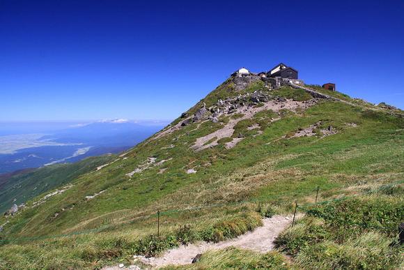山頂の月山神社