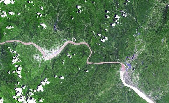 三峡付近の衛星写真 (1)