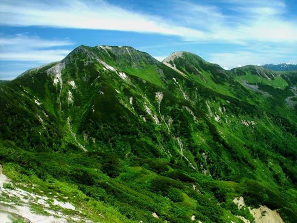 弓折岳から望む樅沢岳