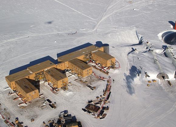アムンゼン・スコット基地の空撮