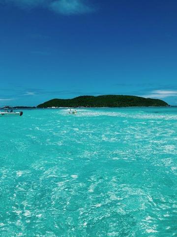 青い海と離島