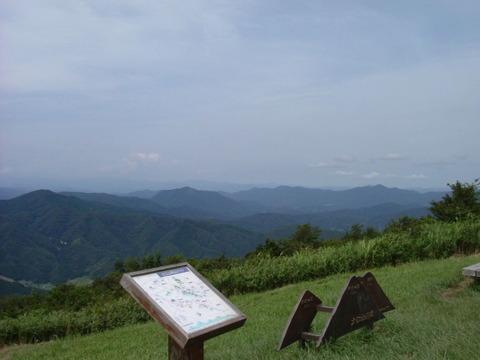 千丈ヶ嶽から西側を望む