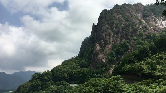 比叡山の崖