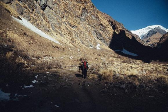 登山中「疲れたから先に行って」と仲間に言われたらあなたはどうしますか?