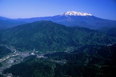 14_Ontakesan_from_kazakoshiyama_2002-5-6