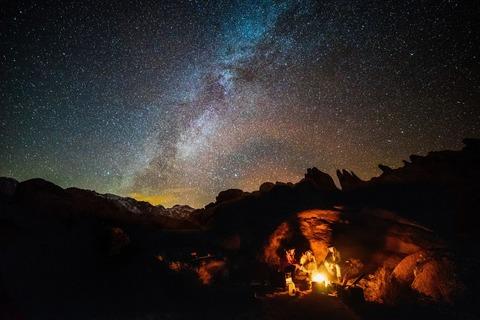 キャンプと夜空